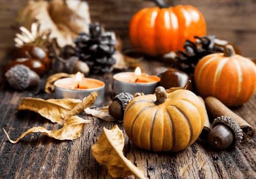 halloween pumpkins and acorns